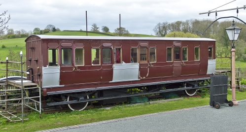 Barry 15 body; Composite (2 1st, 3 2nd Class Compartments) built 1895